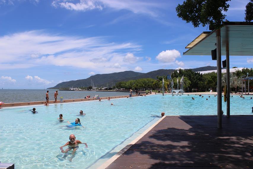 Pazifischer Ozean - Schwimmbecken